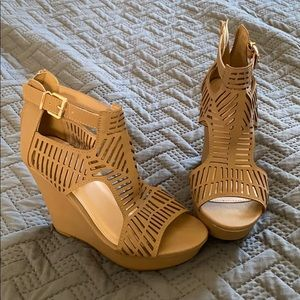 Taupe wedges.
